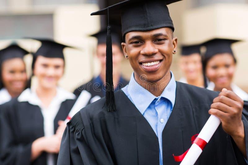 Афро-американский студент-выпускник мужчины стоковая фотография rf