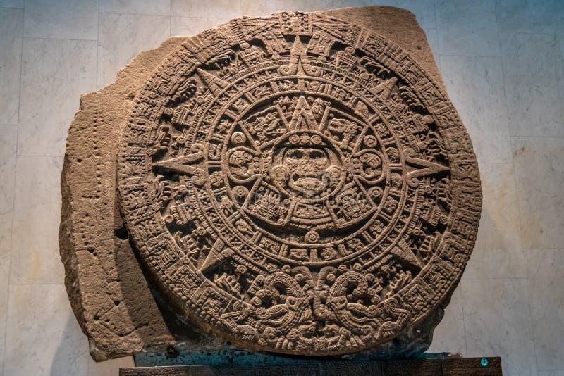 Ацтекское Sunstone на Национальном музее антропологии Museo Nacional de Antropologia, MNA - Мехико, Мексики стоковые изображения rf