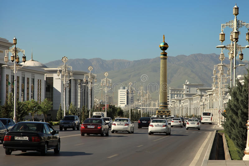 Ашхабад, Туркменистан - около июнь 2013: Vew на широкое современном стоковая фотография rf