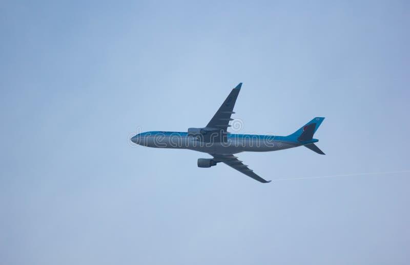 Аэробус A330-300 авиакомпаний Korean Air стоковые изображения rf
