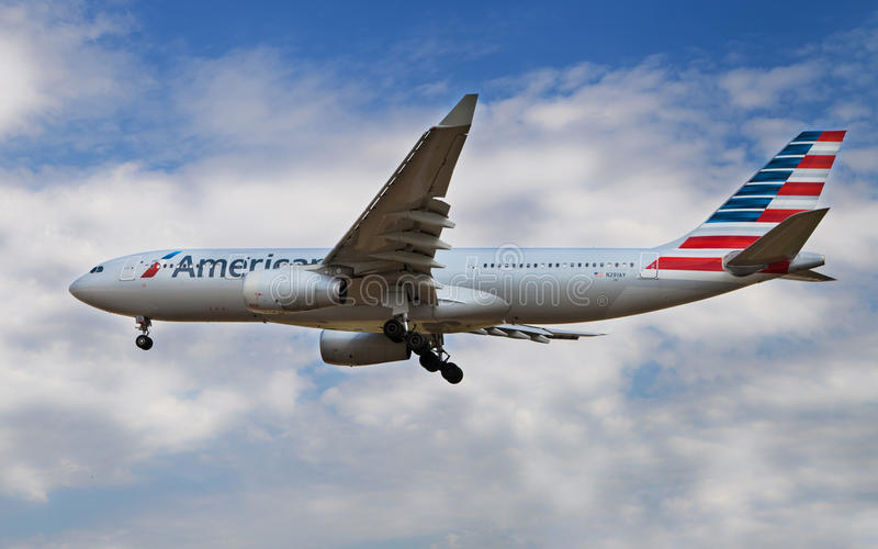 Аэробус A330 америкэн эрлайнз стоковые фото