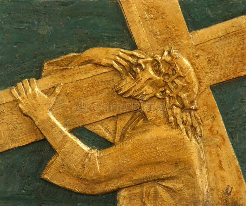 дают 2-ой станции креста, Иисус его крест стоковые фотографии rf