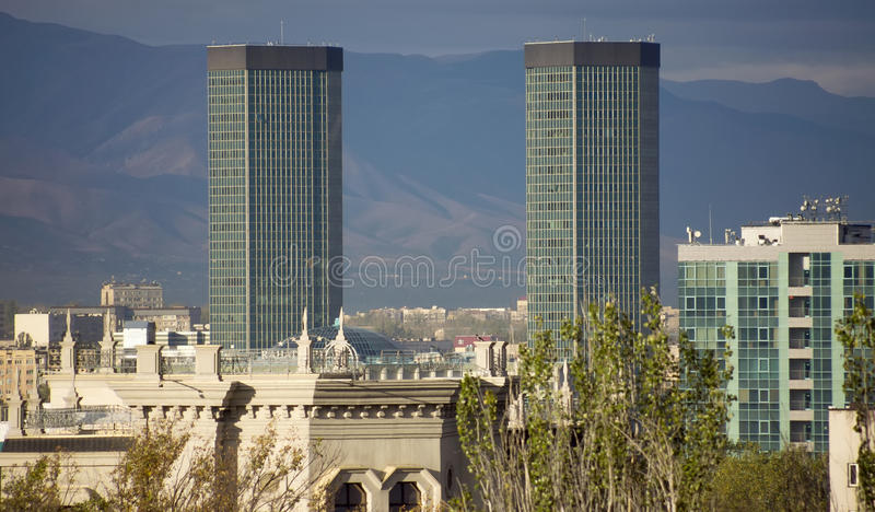 Алма-Ата - современная архитектура стоковая фотография rf