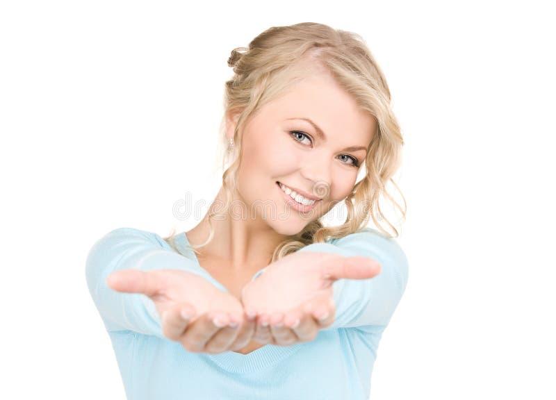 ладони показывая женщину стоковые фотографии rf