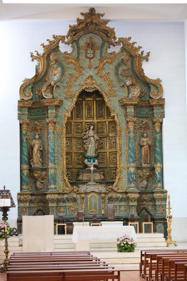 Алтар в соборе Авейру, зоны Centro, Португалии стоковое изображение