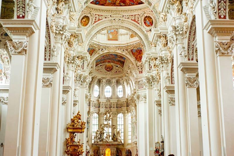 Алтар собора Passau стоковые изображения