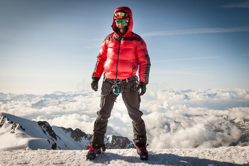 Альпинист на саммите Монблана стоковая фотография rf