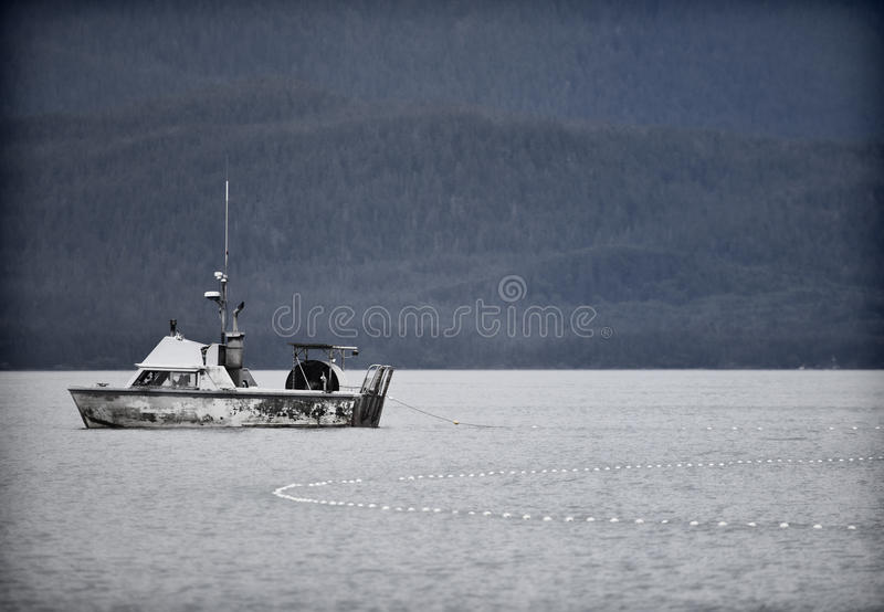 Аляскская рыбная ловля дрейфующей сети стоковое фото