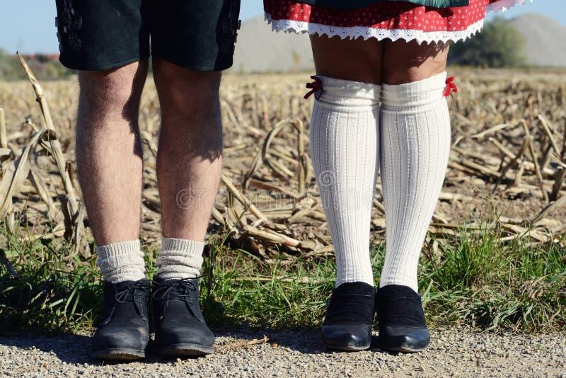 Баварские пары, ноги стоковые фотографии rf