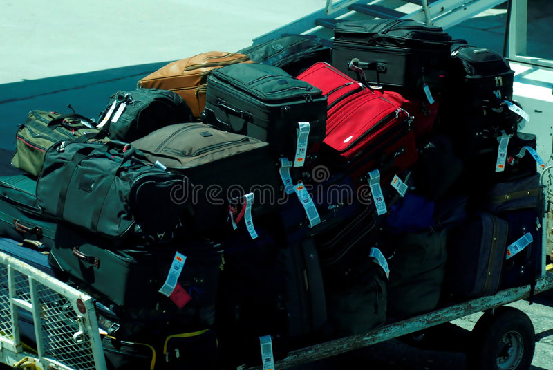 Download багаж стоковое изображение. изображение насчитывающей чемоданы - 485577