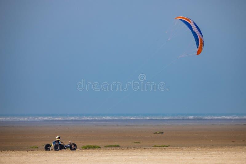 Багги змея на пляже стоковое изображение rf