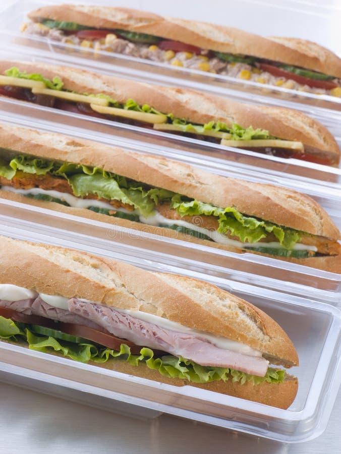 багеты упаковывая пластичный выбор стоковое изображение