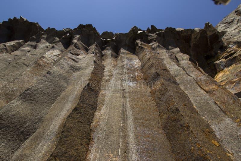 Базальт для строить Карьера базальта Штендеры базальта Каменная раскопк Тяжелая индустрия стоковая фотография