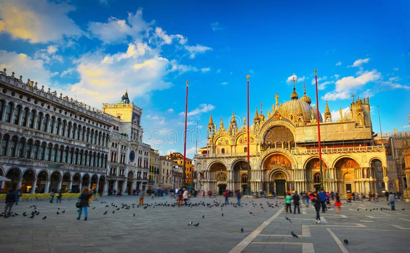 Базилика на заходе солнца, Венеция St Mark, Италия стоковые фотографии rf