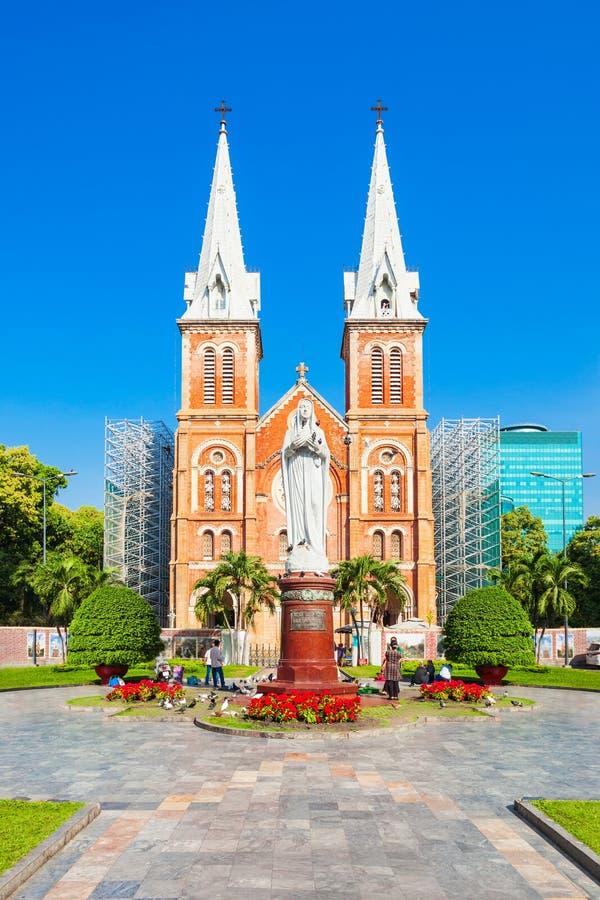 Базилика собора Сайгон Нотр-Дам стоковые фотографии rf