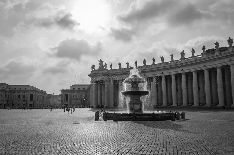 Базилика ` s St Peter в квадрате ` s St Peter в Ватикане, Риме Италии стоковое изображение rf