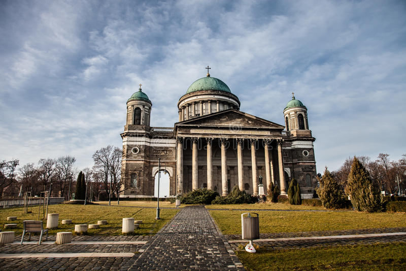 Базилика в Esztergom Венгрия тонизировано стоковое фото rf