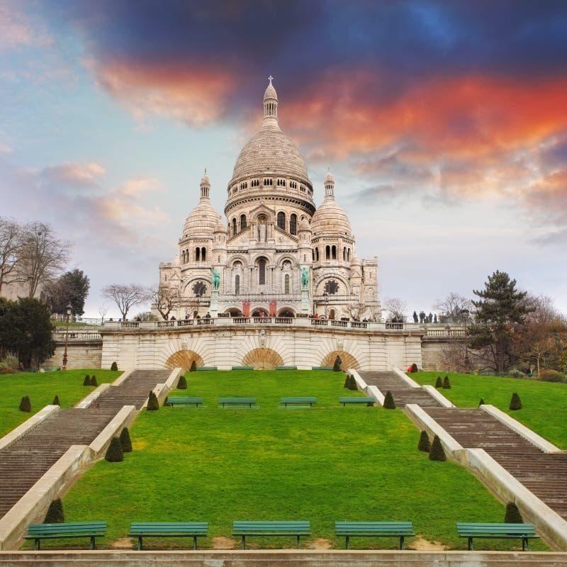 Базилика сердца Sacre Montmartre в Париже, Франции стоковое фото rf