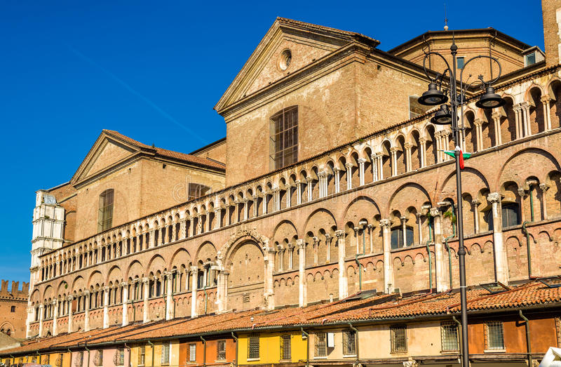 Базилика Cattedrale di Сан Giorgio в Ферраре стоковое фото rf