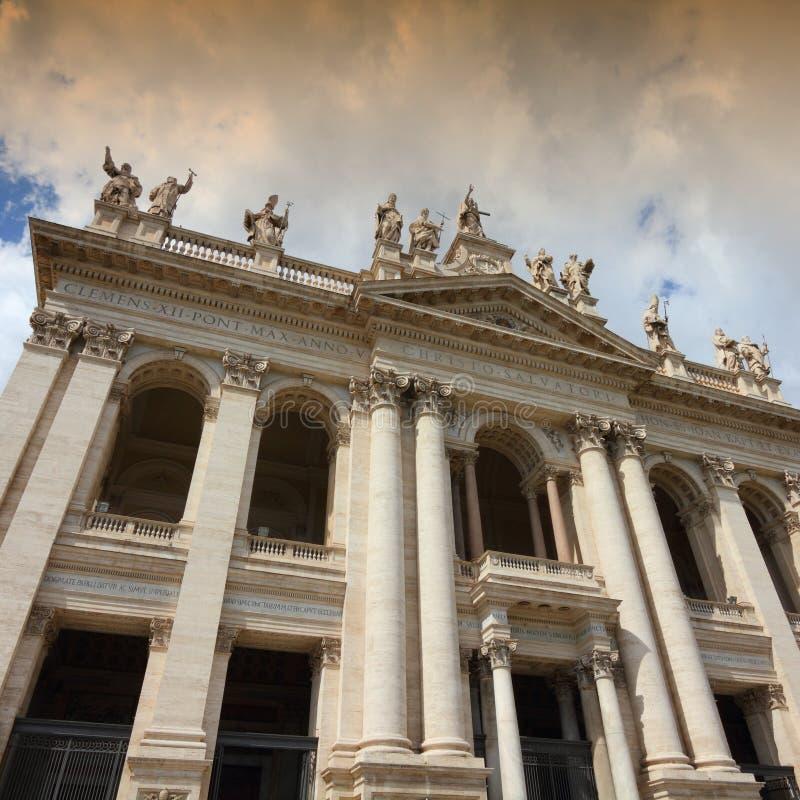 Download Базилика Lateran стоковое изображение. изображение насчитывающей экстерьер - 40580065
