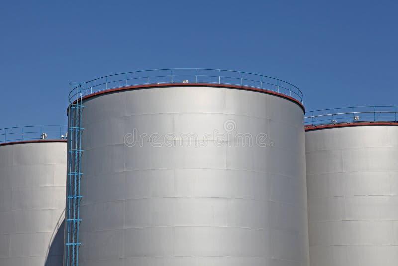 Баки для хранения топлива стоковые фотографии rf
