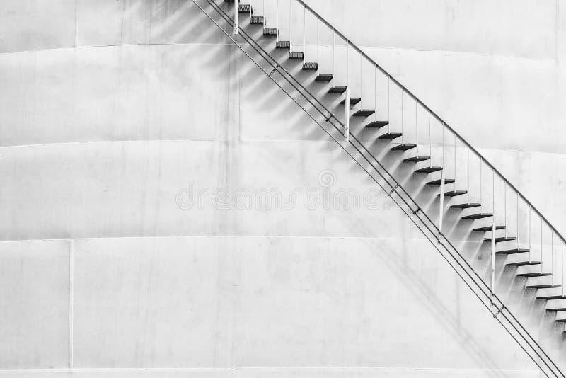 Бак для хранения с лестницы стоковая фотография rf
