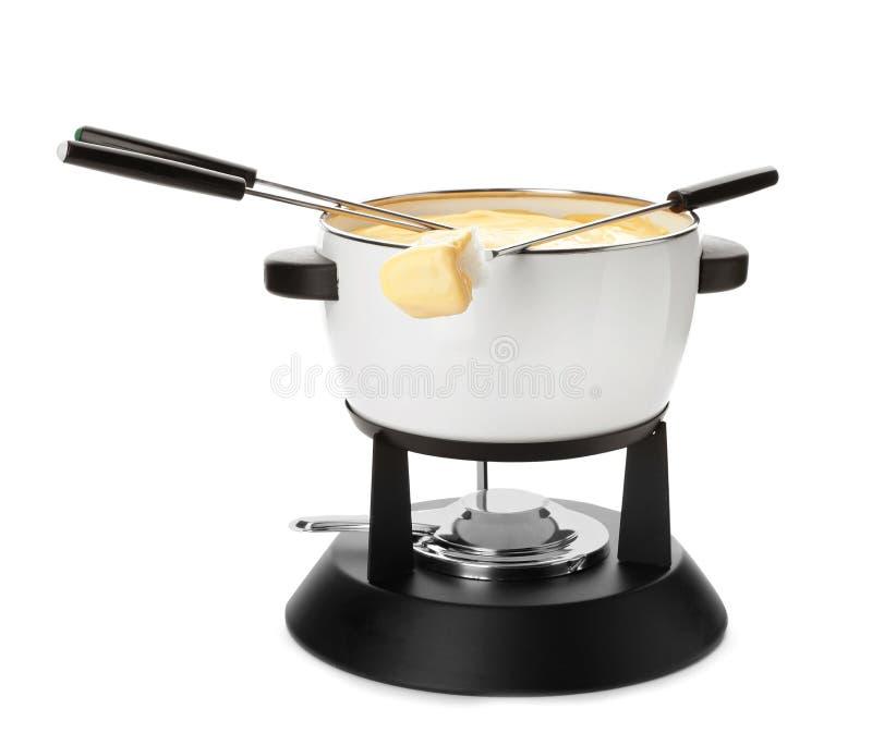 Бак очень вкусного фондю и вилок сыра с хлебом стоковое изображение rf