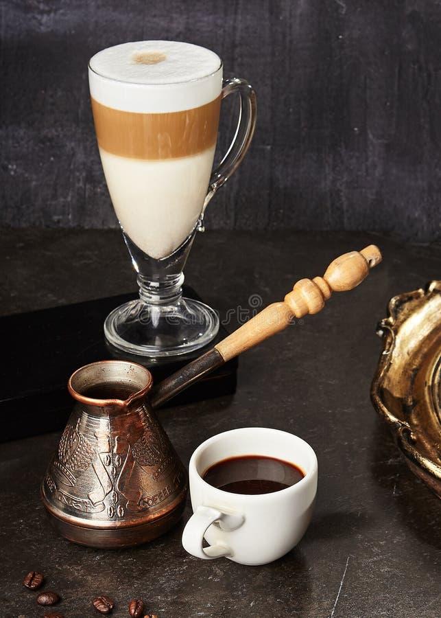 Бак турецкого кофе и Spiced кофе эспрессо стоковые фото