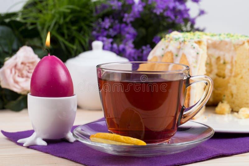 Бак чая и печений и сыча фарфора стоковое изображение rf