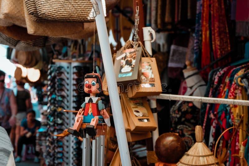 Балийские деревянные ручной работы игрушки стоковые изображения rf