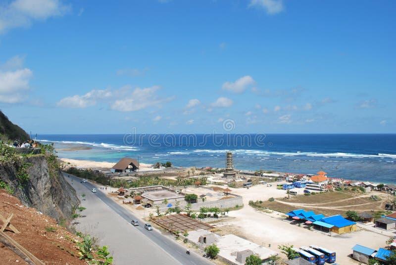 БАЛИ, ИНДОНЕЗИЯ - 1-ОЕ ОКТЯБРЯ 2017: Взгляд пляжа Pandawa от холма стоковая фотография rf