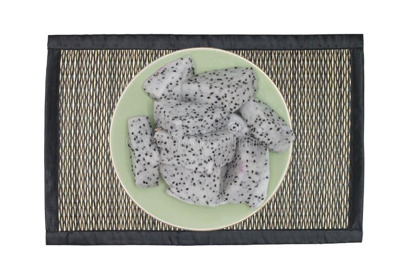Бамбуковая циновка для еды места изолированной на белой предпосылке стоковые фотографии rf