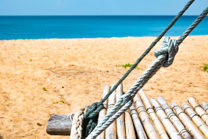 Бамбуковые качания на пляже с белым песком, Пхукете, Таиланде стоковые изображения rf