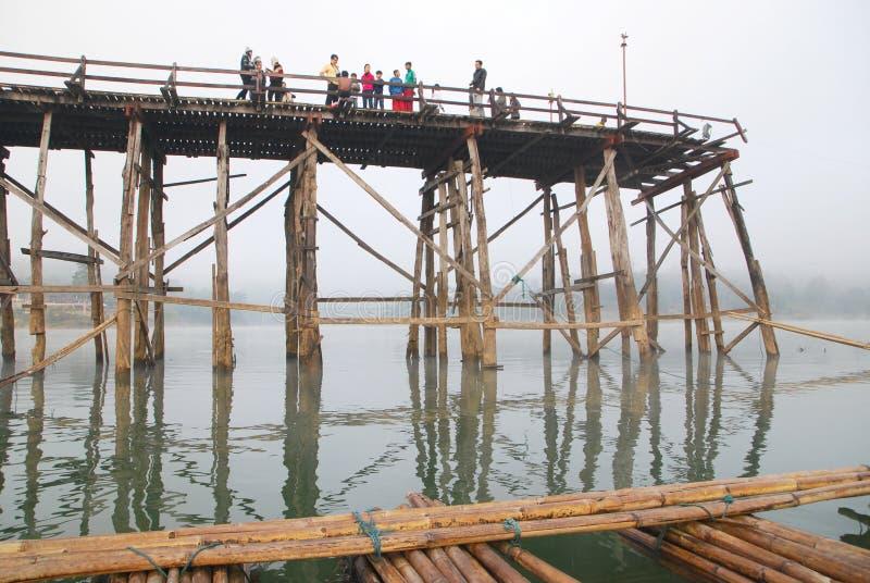 Бамбуковый мост стоковые изображения