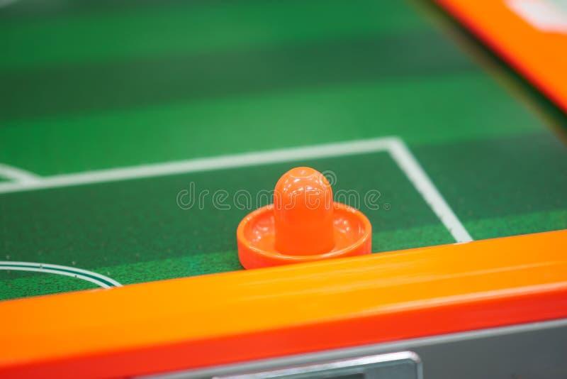 Бампер для хоккея воздушных потоков в аркаде игры стоковое изображение rf