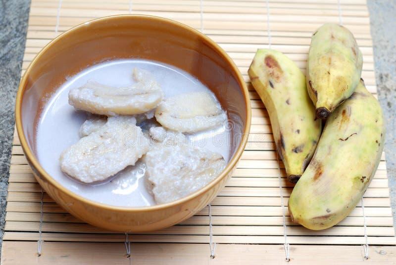 Банан с молоком кокоса стоковые фотографии rf