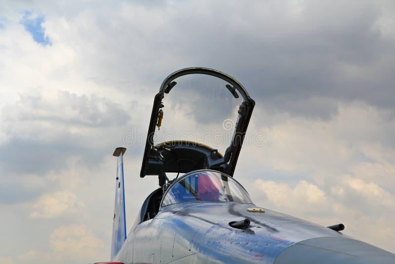 БАНГКОК, ТАИЛАНД - 2-ОЕ ИЮЛЯ: Выставки воздушных судн стоковая фотография rf