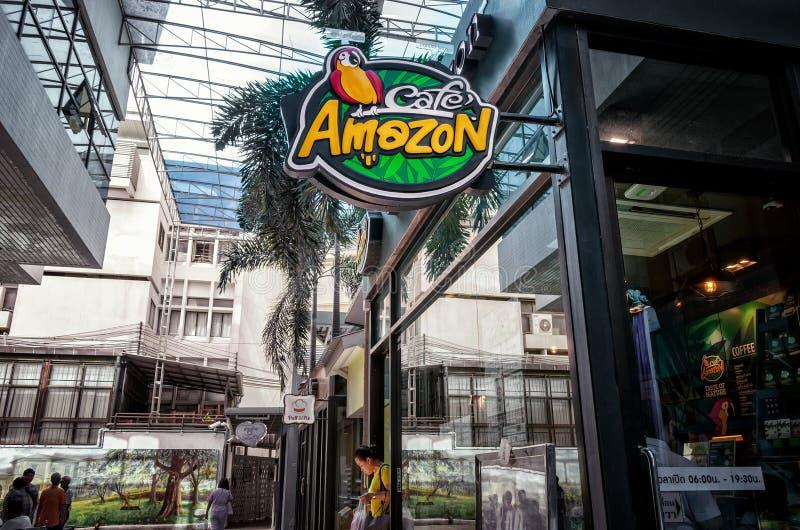БАНГКОК, ТАИЛАНД - 2-ОЕ МАЯ: Кафе Амазонки служит клиенты в Vajira Hosipital в Бангкоке 2-ого мая 2019 стоковое изображение rf