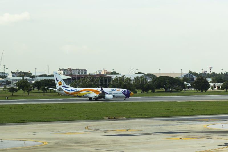 Бангкок-Таиланд, 3-ье июля 17: Боинг 737-800 Nokair (низко-cos стоковая фотография