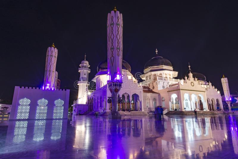 Банда Ачех, Индонезия - 07 11 2017: Баитуррахманская большая мечеть в Банда-Ачех стоковые фото