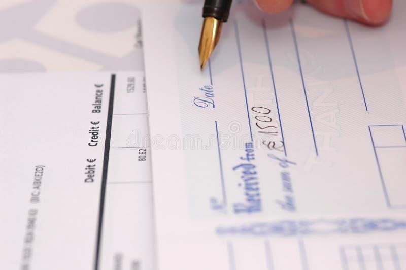 Download банковский счет стоковое изображение. изображение насчитывающей покупка - 477715