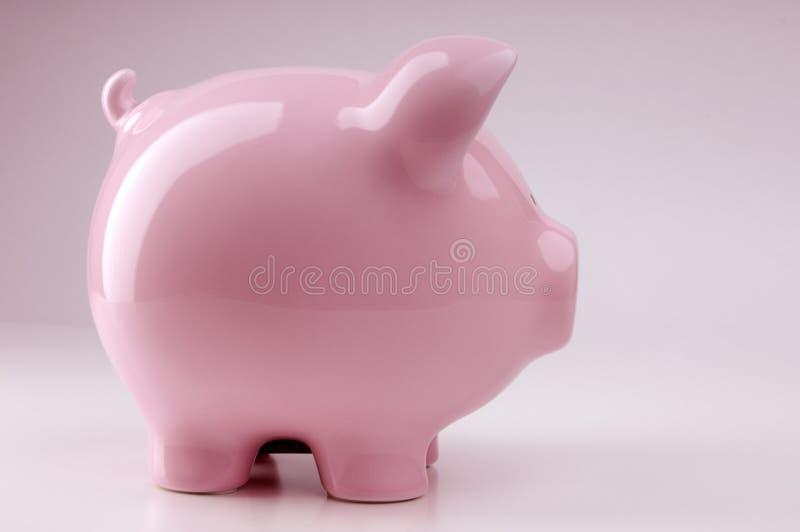 Download банк piggy стоковое изображение. изображение насчитывающей одиночно - 6860161