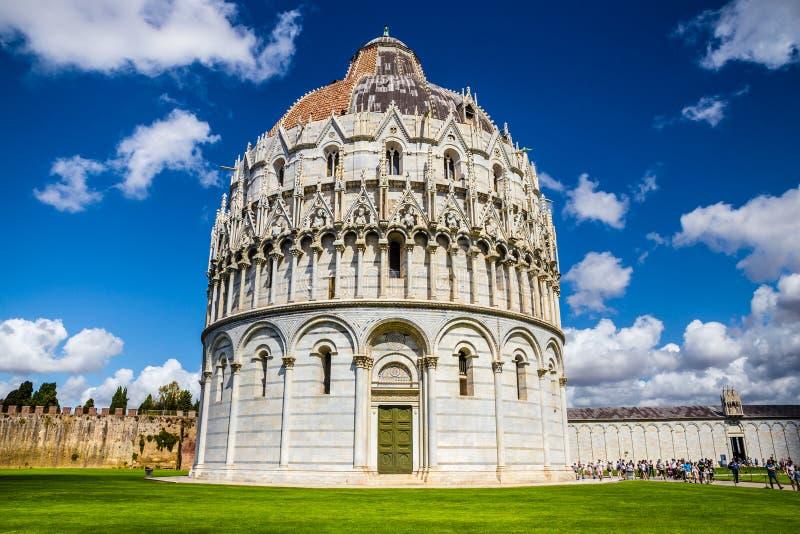 Баптистерий Пизы St. John - Пизы, Италии, Европы стоковые фото