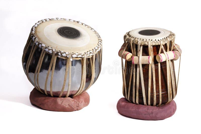 барабанит индийским изолированным установленным tabla традиционным стоковые изображения
