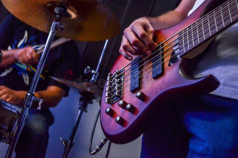 Барабанчик и бас стоковое изображение rf