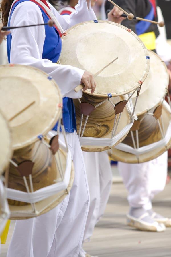 барабанщики корейские стоковое фото rf