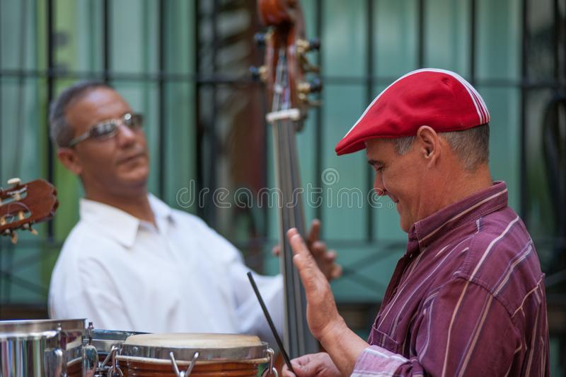 Барабанщик в Гаване Кубе стоковые изображения rf