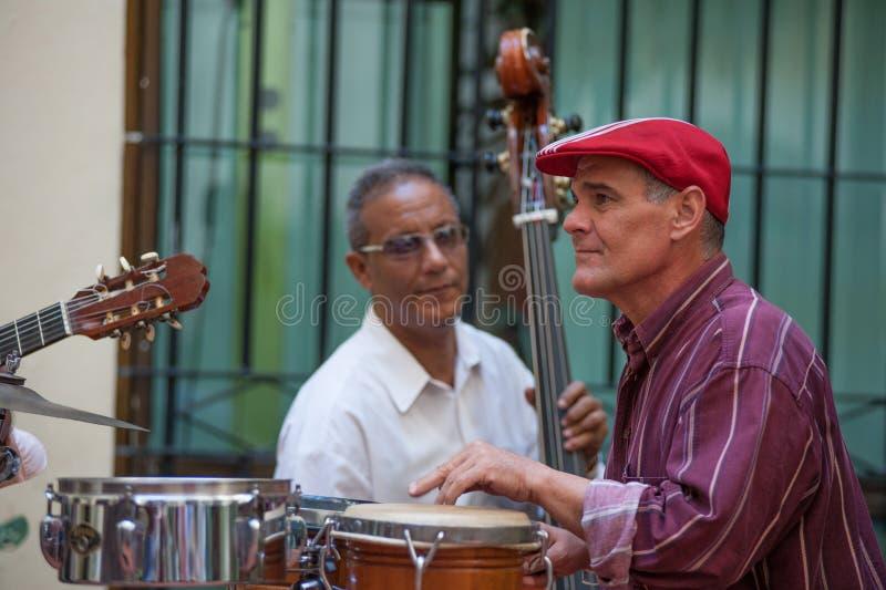 Барабанщик в Гаване Кубе стоковое фото rf