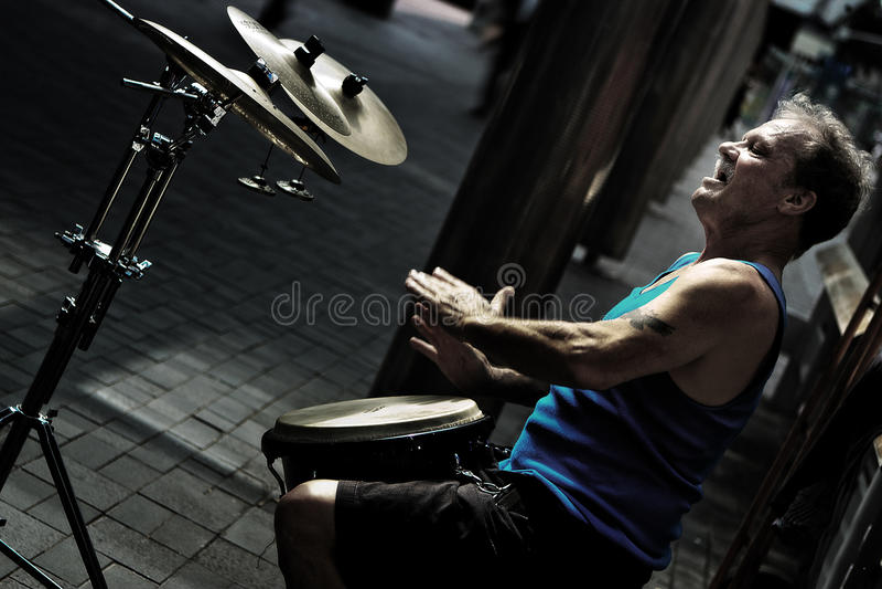 Барабанщик улицы стоковое фото