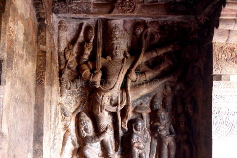 Барельеф украшая стены и столбцы стоковые фотографии rf
